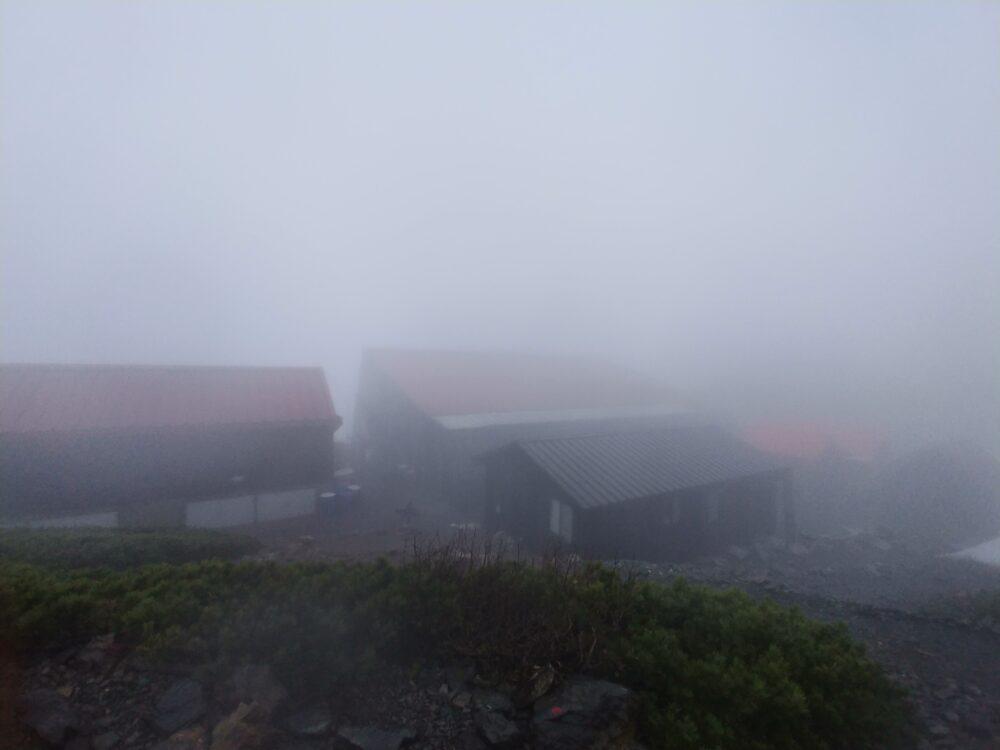 今朝の山荘の様子