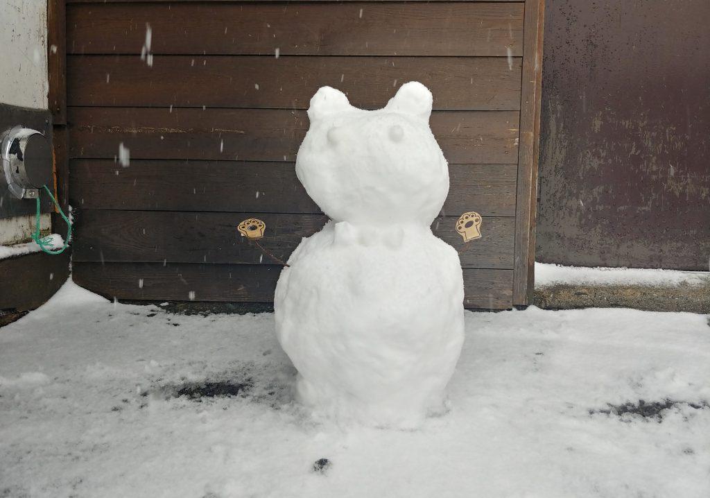 山荘の仲間が作った雪だるま⛄✨
